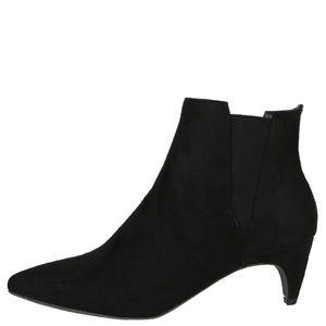 *Reposh* suede ankle bootie kitten heel